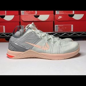 Nike WMNS Metcon DSX Flyknit Running Shoes